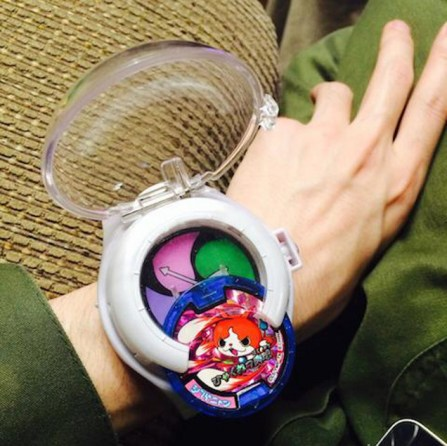 The much sought after Yokai Watch toy and medals. Very cool!