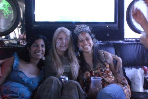 bus_girls.jpg