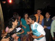 reception_dancing_sarjita_maulik_camera.jpg