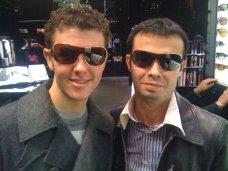 derek_orkut_sunglasses.jpg