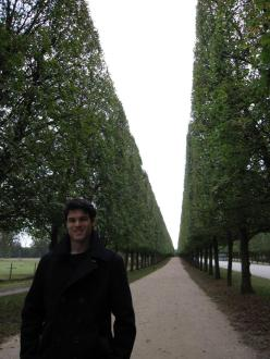 versailles_gardens_infinity_tree_path_ryan_2.jpg