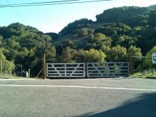 ridge_gate.jpg