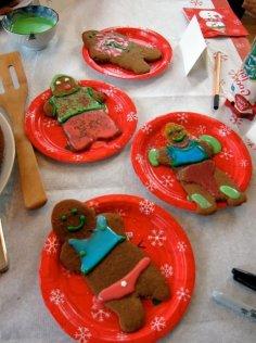table_gingerbread_cookies_2
