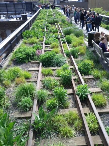 high_line_train_tracks