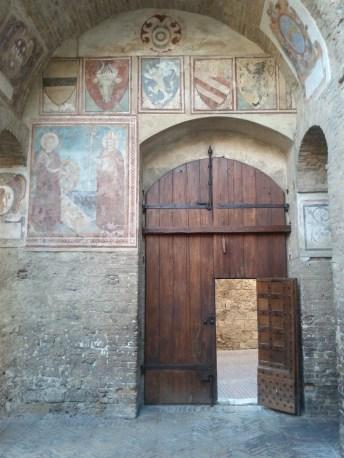 chapel_door_and_frescoes