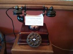 hill_house_inn_rotary_dial_phone