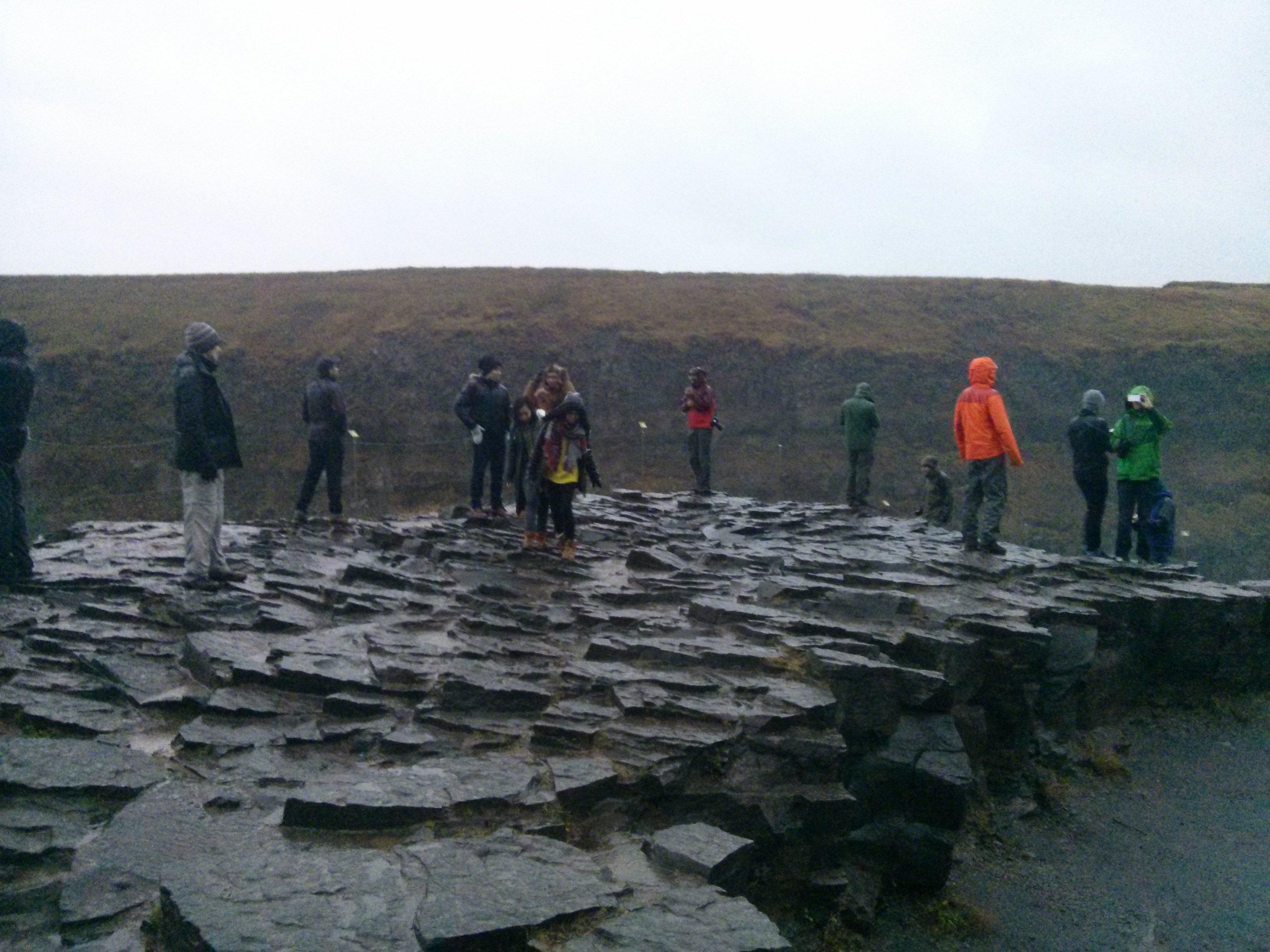 gullfoss_waterfall_rocks_group