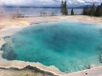yellowstone_geysers_2