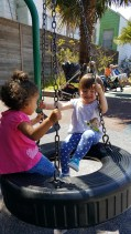 playground_reya_tire_swing