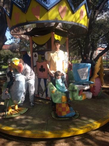 carousel_mama