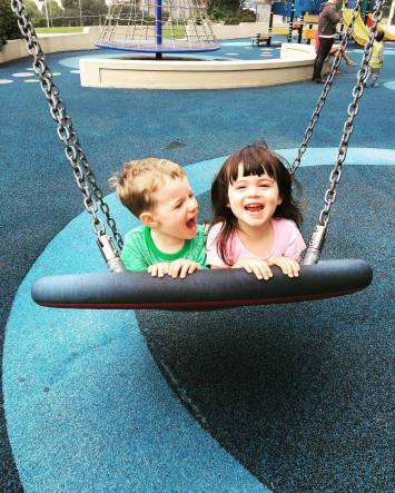 playground_swing_grin