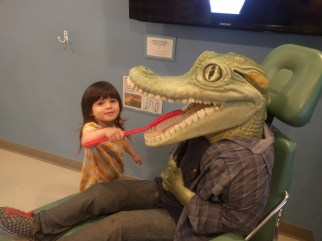 santa_rosa_childrens_museum_brushing_alligator_teeth