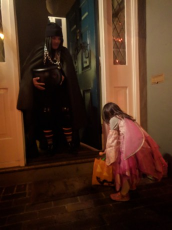 trick_or_treating_4