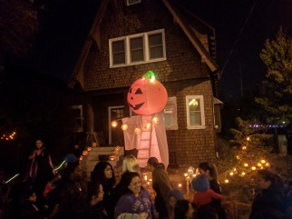 trick_or_treating_inflatable_pumpkin