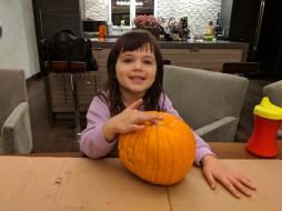 halloween_pumpkin_carving_before