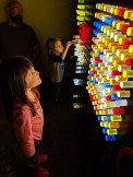 kid_museum_light_pegs