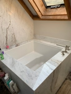8_master_bath_tub