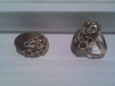 ring_and_pendant_side