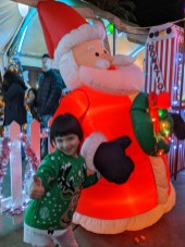 lights_brooke_inflatable_santa
