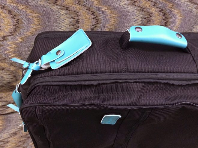 Standard Luggage expansion zipper