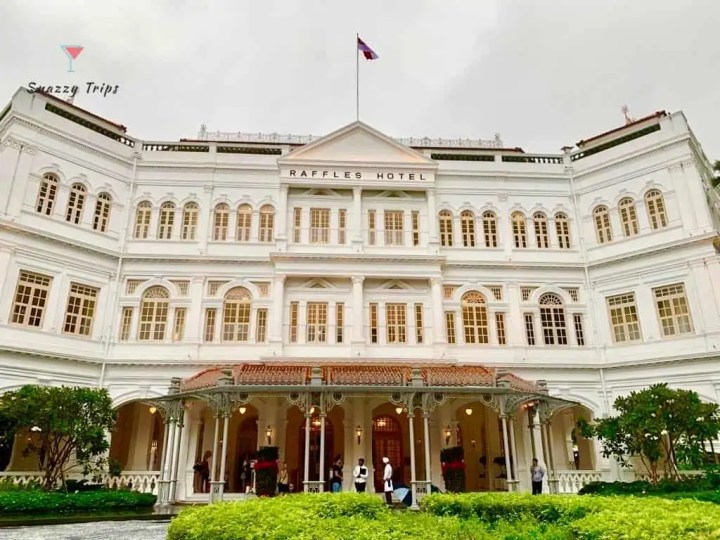 don't miss the iconic Raffles Hotel in Singapore