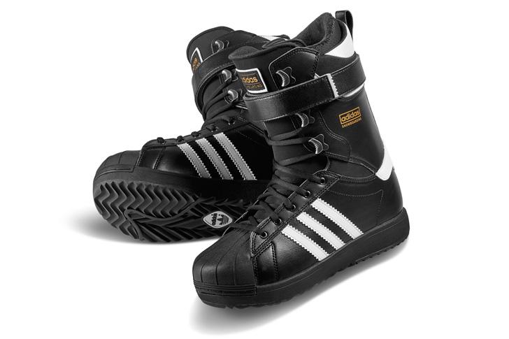 Photo04 - アディダスは、Superstar生誕45周年をセレブレイトしてスノボーディング用にリデザインされたSuperstar Bootを発表