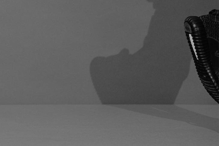 Photo01 - アディダス オリジナルスとカニエ・ウエストとのコラボレーションadidas Originals by KANYE WEST YEEZY BOOST 350 BLACKが登場
