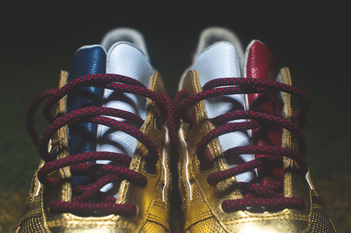 "Photo04 - Ronnie Fieg x ASICS ""KITH Football Equipment"" Pack"