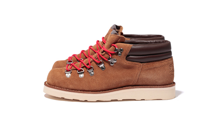 Photo01 - Danner for Stussy Mountain Ridge Mid
