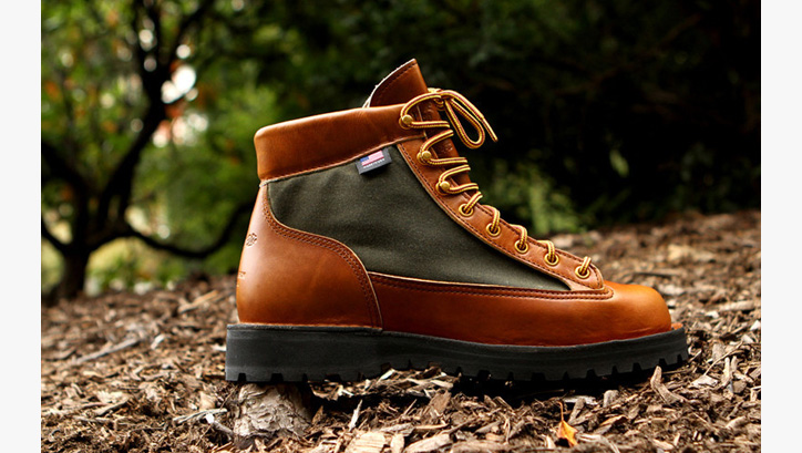 Photo03 - Danner Light Boot 80th Anniversary Edition