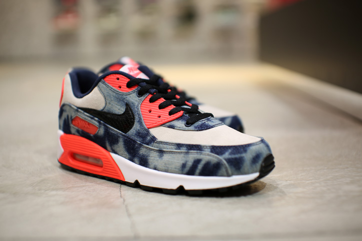 "Photo07 - Interview with Sports Lab by atmos Director Koji ""NIKE AIR MAX 90 Bleach Denim Collection"""