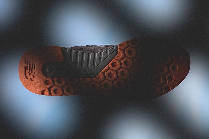 """Photo03 - ニューバランスから、鼠をデザインソースにmita sneakersとのコラボモデルMRL247 """"TOKYO RAT""""が発売"""