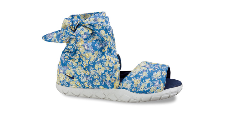 Photo01 - Liberty x Nike Wmns Chukka Moc Hi Sandal Premium