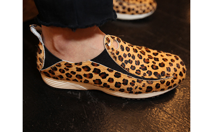 Photo05 - Nike WMNS Pocket Runner | Leopard + Black Pony Hair