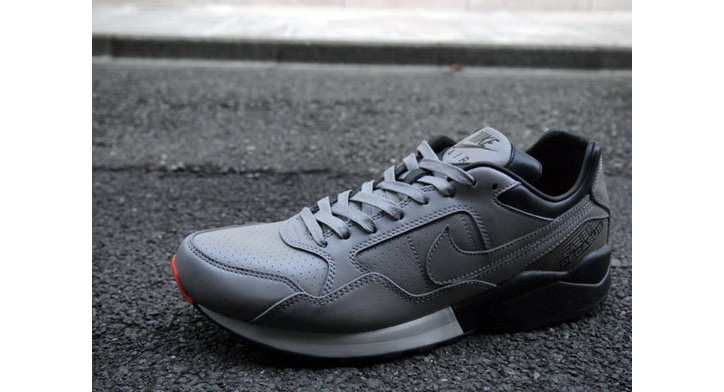 Photo03 - Nike Sportswear Air Pegasus 92 Decon QS London & New York Packs