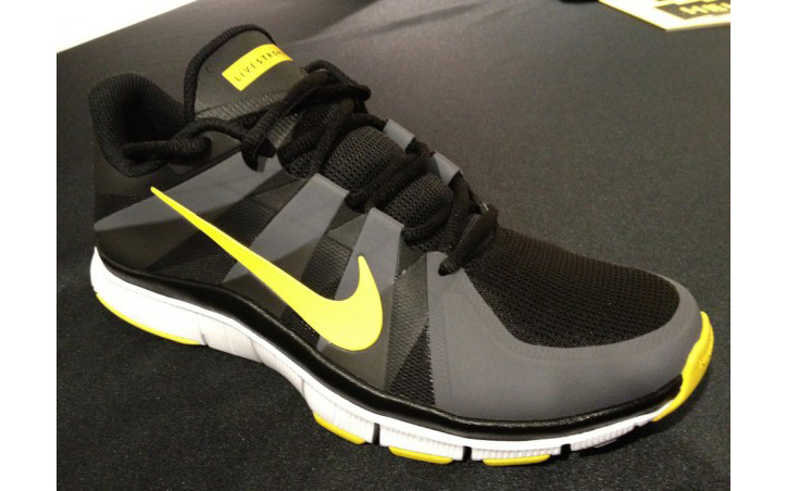 Photo01 - LIVESTRONG x NIKE FREE TRAINER 5.0