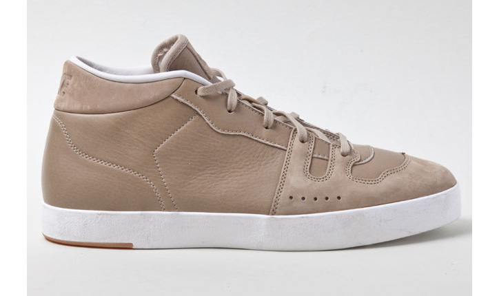 Photo01 - NIKE MANOR KHAKI LEATHER