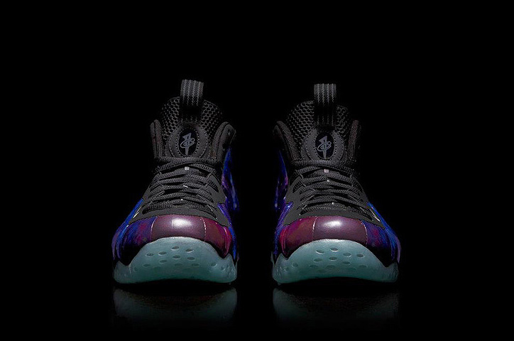 "Photo05 - NIKE AIR FOAMPOSITE ONE ""SPACE EXPLORATION"""