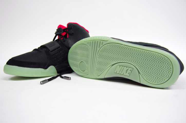 Photo15 - NIKE AIR YEEZY II NRG 販売方法