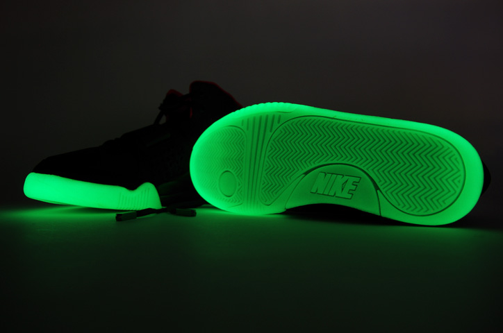 Photo16 - NIKE AIR YEEZY II NRG 販売方法