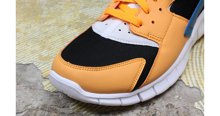 "Photo03 - NIKE HUARACHE FREE RUN ""INDUSTRIAL ORANGE"""
