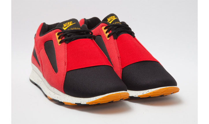 Photo02 - NIKE AIR CURRENT UNIVERSITY RED