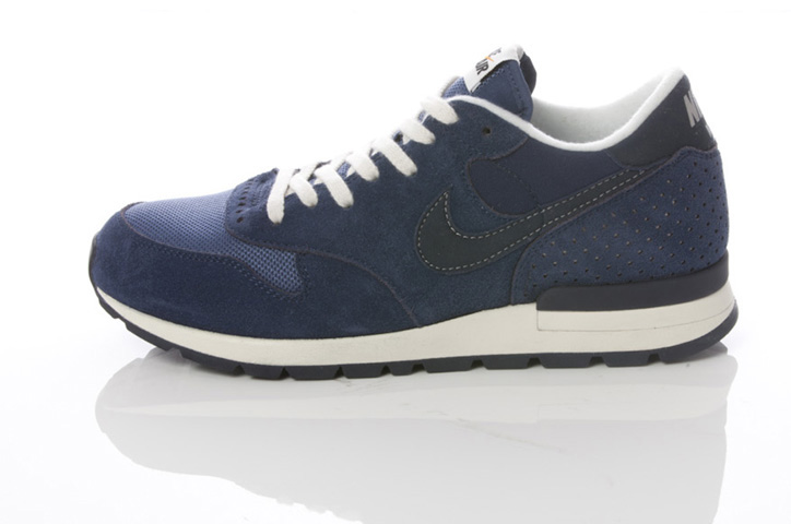 Photo10 - NIKE GREY / NAVY COLLECTION