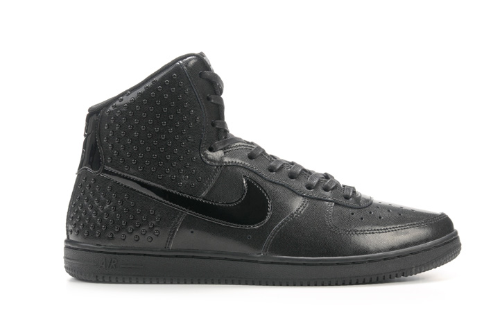 Photo07 - ウィメンズモデル「NIKE AIR FORCE 1 LIGHT HIGH」「NIKE AIR FORCE 1 '07」が発売