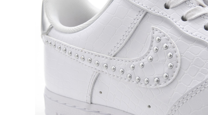 Photo12 - ウィメンズモデル「NIKE AIR FORCE 1 LIGHT HIGH」「NIKE AIR FORCE 1 '07」が発売