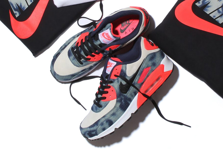 Photo02 - NIKE BLEACHED DENIM PACK が Sports Lab by atmos LUCUA OSAKA のオープンに合わせ先行発売