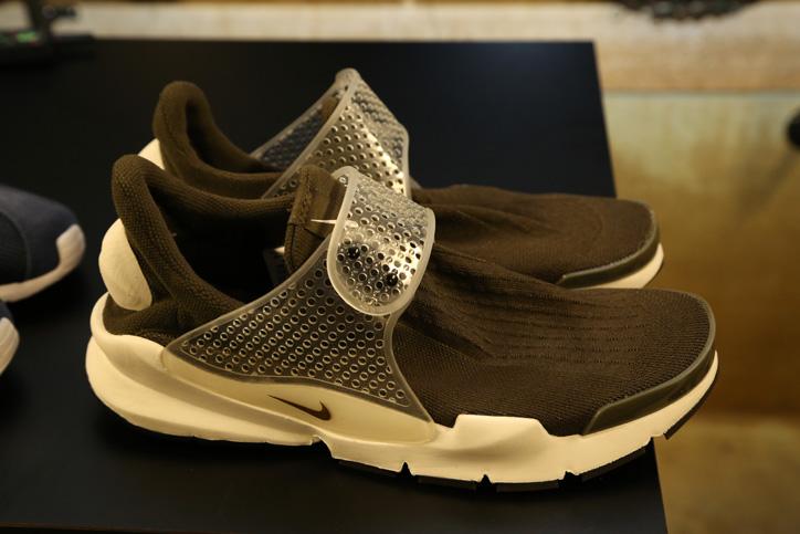 Photo10 - NikeLabからfragment designとのコラボレーションによる新作プロダクト NIKE ROSHE LD-1000 SP / FRAGMENT が登場