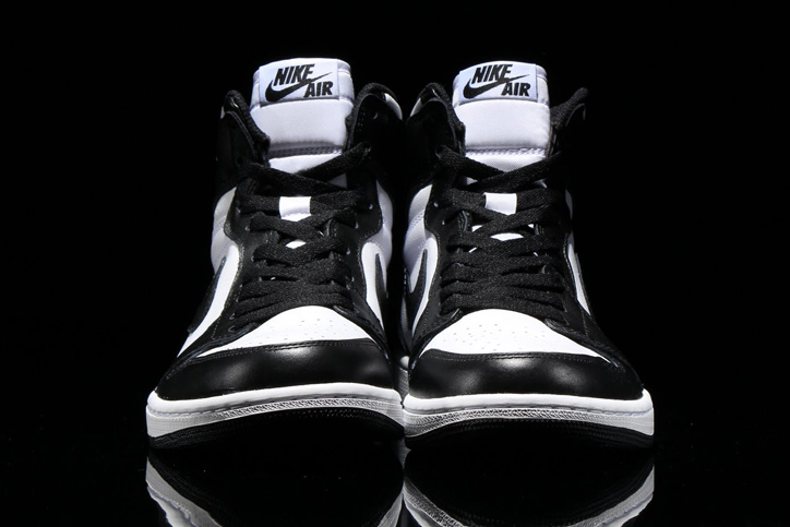 Photo04 - NIKE AIR JORDAN 1 RETRO HIGH OG BLACK/WHITE が発売