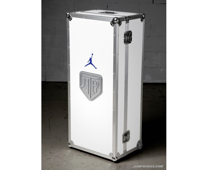 "Photo05 - NIKE JORDAN ""DJ3K"" TRUNK CHARITY AUCTION"