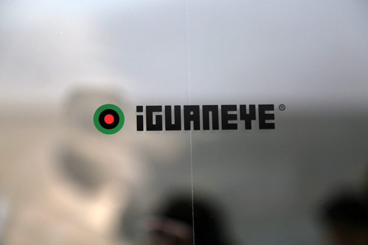 Photo07 - 靴でもサンダルでもない新発想のフットウェア「iGUANEYE」の世界第一号店が 東京・青山にオープン